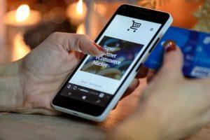Fazendo compras por uma Loja Virtual e E-Commerce através de um Smartphone